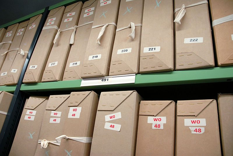 800px-Boxes_of_documents_on_repository_shelving_at_The_National_Archives