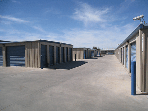 Lee_Calexico_Self-storage_t575